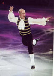 Scott hams it up during Stars on Ice (Photo courtesy of Stars on Ice)