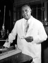 Julian in the lab. (Courtesy of Western Reserve Historical Society, Cleveland, Ohio)
