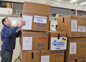 Boxes of emergency first aid kits are collected (http://www.csmonitor.com/)