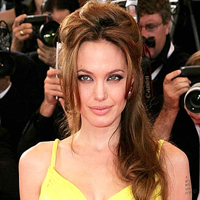 (http://www.aolcdn.com/red_galleries/angelina-jolie-hair-400a073007.jpg)