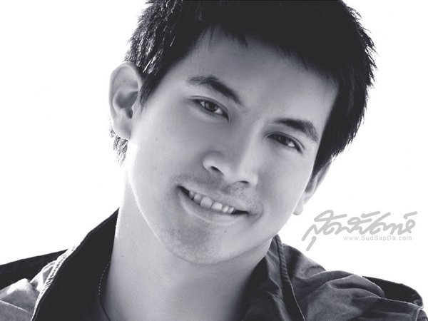 Ken Theeradej Wongpuapan<br>(<i>Sudsapda Magazine</i>, 2007)