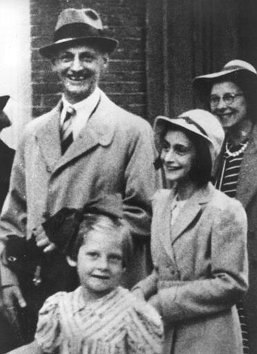 Anne Frank and family. (http://history.grand-forks.k12.nd.us/ndhistory/LessonImages/Sources/Pictures)