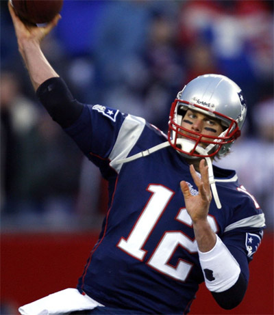 Tom Brady Throwing A TouchDown to win a game. (google.com)
