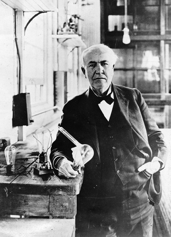 Thomas Edison (http://www.archives.gov/exhibits/american_originals_iv/images/thomas_edison/thomas_edison.jpg)