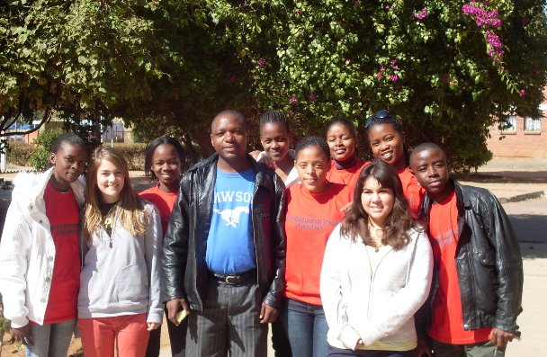 Teacher Tommie Hamaluba and students from Gaborone Secondary School (Botswana) and Alexander Dawson School (USA)<br>(http://ads-gss.blogspot.com/)