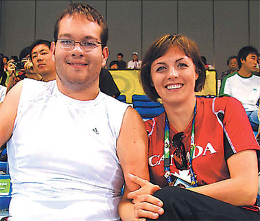 Josh and his girlfriend, Dalia Mykolaitiene(chinadaily.com)