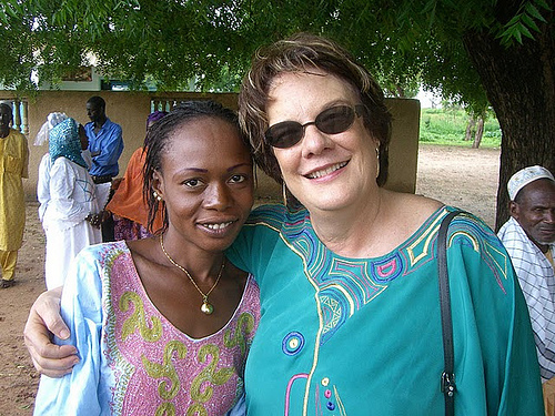 Molly Melching with Tostan Facilitator Sen Konate.(usaid)