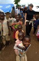 Angelina Helping in Namibia (www.pynkcelebrity.com/archives/11830)