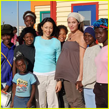 Angelina Helping in Africa (examiner.com)