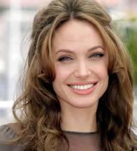 This is Jolie in a photo shoot. (http://cm1.theinsider.com/media/0/47/41/an.0.0.0x0.321x354.jpeg)