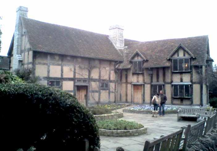William Shakespeare's house in Stratford-upon-Avon (http://www.solarnavigator.net/history/explorers_history/William_Shakespeare_house_Stratford_upon_Avon.jpg)