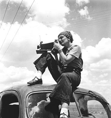 Dorothea Lange (http://www.famousnewjerseyans.com/Images/dorothea_lange.jpg)