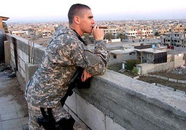 2 LT Mark Daily in Mosul  (http://etymonline.com/columns/MarkDaily.jpg)