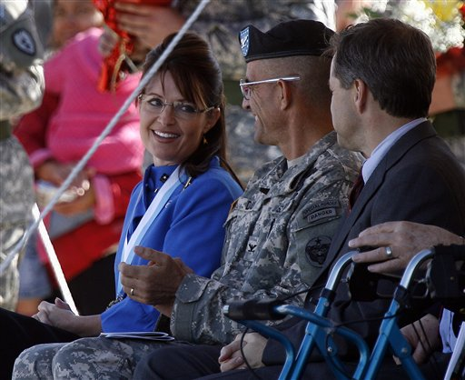 Palin at son's deployment ceremony  (http://www.huffingtonpost.com/huff-wires/20080911/palin-army-ceremony/images/145c992e-df3c-4006-ade0-8a9f7fcb46d2.jpg)
