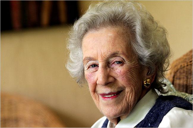 Helen Suzman (http://www.anglonautes.com/voc_race/voc_race_sa_1/voc_race_sa_1.htm)