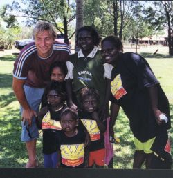 Barunga kids with Ian (Ian Thorpe Foundation for Youth)