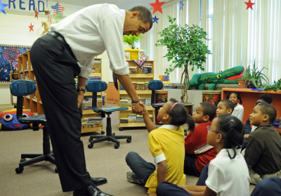 Obama motivating children. (Photo By: Cheryl Montgomery)