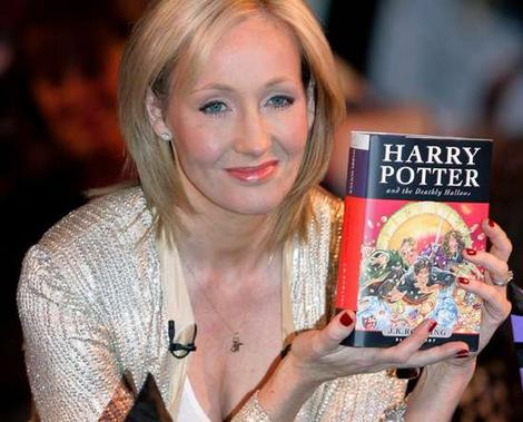 Rowling holding one of her novels (http://zalinaalvi.files.wordpress.com/2010/01/jk-rowling-harry-potter-deathly-hollows-idea-girl-consulting-word-press.jpg)