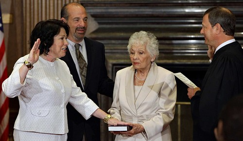 Sotomayor gets sworn in to the US Supreme Court