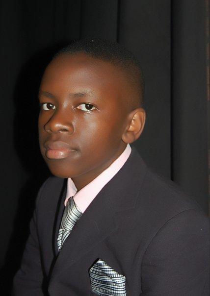 Mwiine Derrick (internet)