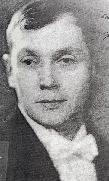 Jevhen Malanjuk (http://uk.wikipedia.org/wiki/%D0%A4%D0%B0%D0%B9%D0%BB:Jevhen_Malanjuk.jpg)