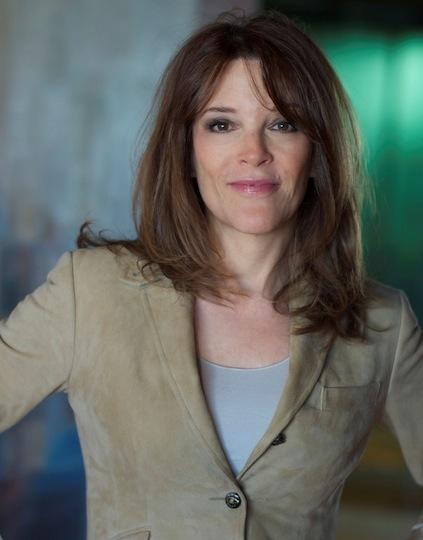 Marianne Williamson (www.marianne.com ())