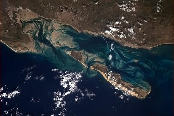 East coast of Africa Sand and Water (Twitter (Chris Hadfield))