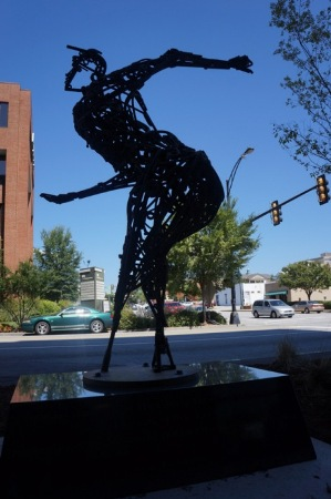 Sculpture of Peg Leg Bates by Joe Thompson (Photo by Mike Nice (www.greenvilledailyphoto.com))