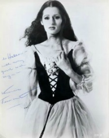 Veronica Tennant as Giselle (https://www.danser-en-france.com)