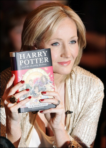 JK Rowling - 8 Women Who Changed Literature