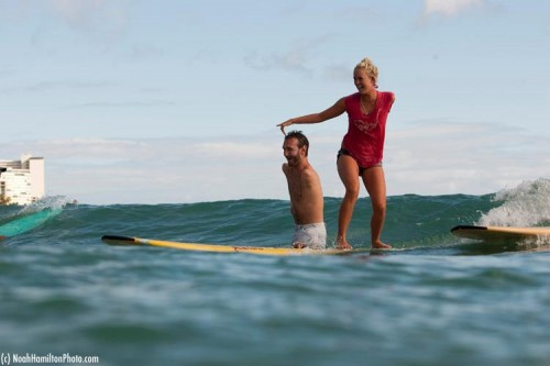 Hamilton helping Nick Vujicic (http://www.surfermag.com/features/week-in-review-43/)