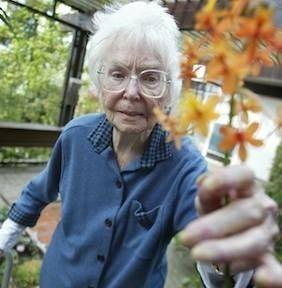 Hortense Miller (photo by Mindy Schauer, Orange County Register)