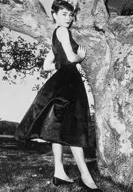 Audrey with her LBD (vintagetextile.com (Chanel photographer))