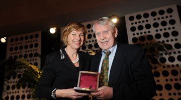 The UCSF medal awarded to Chuck Feeney (https://support.ucsf.edu/content/insidermay2012 (The UCSF Insider))