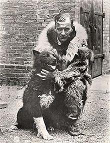 Balto with Gunner Kaassen  ( (Brown Brothers) Wikipedia)