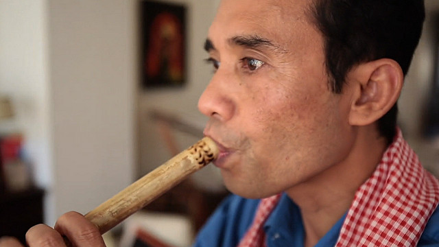 Chorn-Pond played the flute to escape death in Khmer Rouge labor camp(bbc.co.uk)