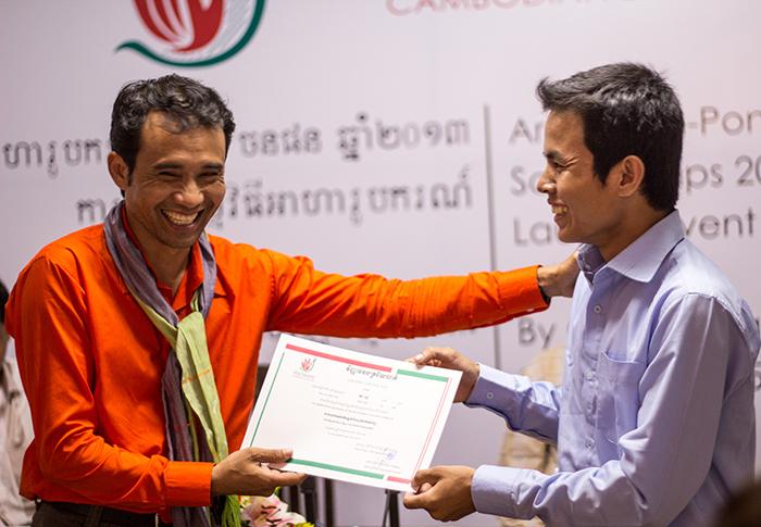 Arn Chorn-Pond awarding a Living Arts Scholarship (globalgiving.org)