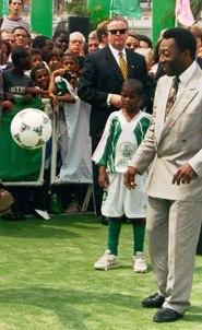 Pele kicking a ball around (Wikipedia)