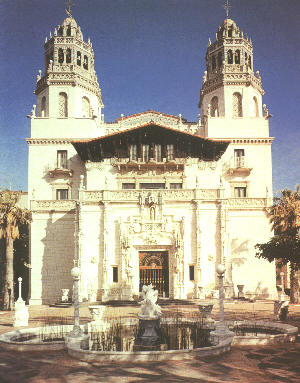 Hearst Castle  (wiki commons)