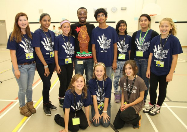 Mohamed Sidibay and students from W.H. Day Elementary School (Photo from Mali Bickley)