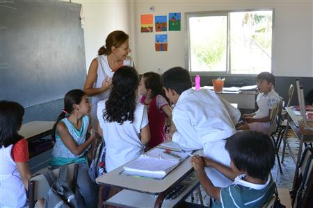 Anusia interacting with her students.(Photo by Annie Merkley)