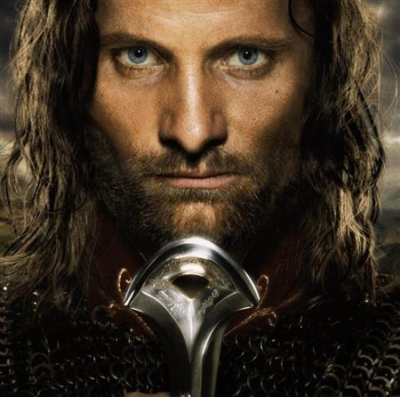 Viggo Mortensen played Aragorn in the movie (fr.jrrtolkien.wikia.com (New Line Cinema, WingNut Films, The Saul Zaentz Co))