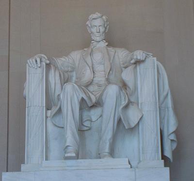 Statue of Abraham Lincoln (www.yeodoug.com (Daniel Chester French))