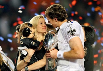 Drew Brees and family Celebrating (1079ishot.com ())
