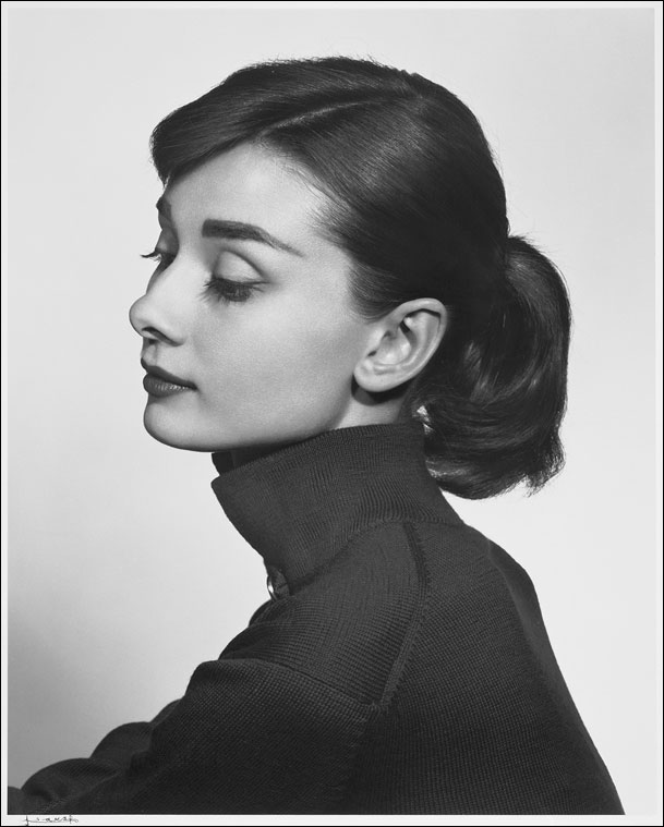 Audrey Hepburn (http://www.boston.com/community/photos/raw/2008/12 (Yousuf Karsh))