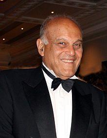 Dr. Magdi Yacoub (wikipedia)