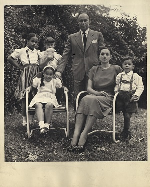 Dr. Drew's family (https://profiles.nlm.nih.gov/ ())