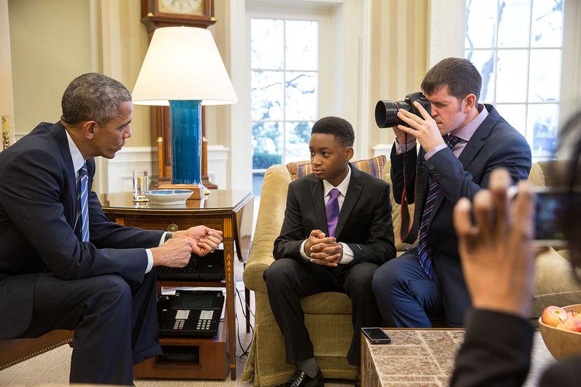 President Obama, Nadia Lopez, and Brandon Stanton. (http://www.msnbc.com/msnbc/president-obama-gets-re (Pete Souza/The White House/Getty))