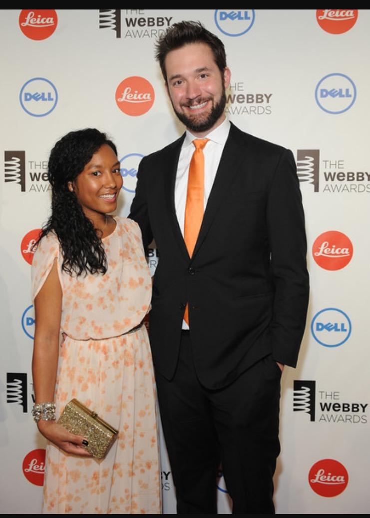 Alexis and Serena (http://i63.tinypic.com/mv6e54.jpg ())