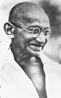 Another picture of Gandhi (http://www.progress.org/)